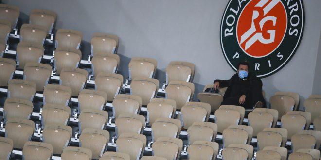 Roland Garros, Prázdna tribúna, Bez divákov