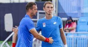 Prvá slovenská radosť z Tokia: Polášek s Kleinom zaskočili ruských favoritov a sú v osemfinále