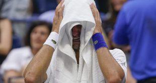 Australian Open bez Djokoviča? Svetová jednotka útočiaca na rekord môže mať problém